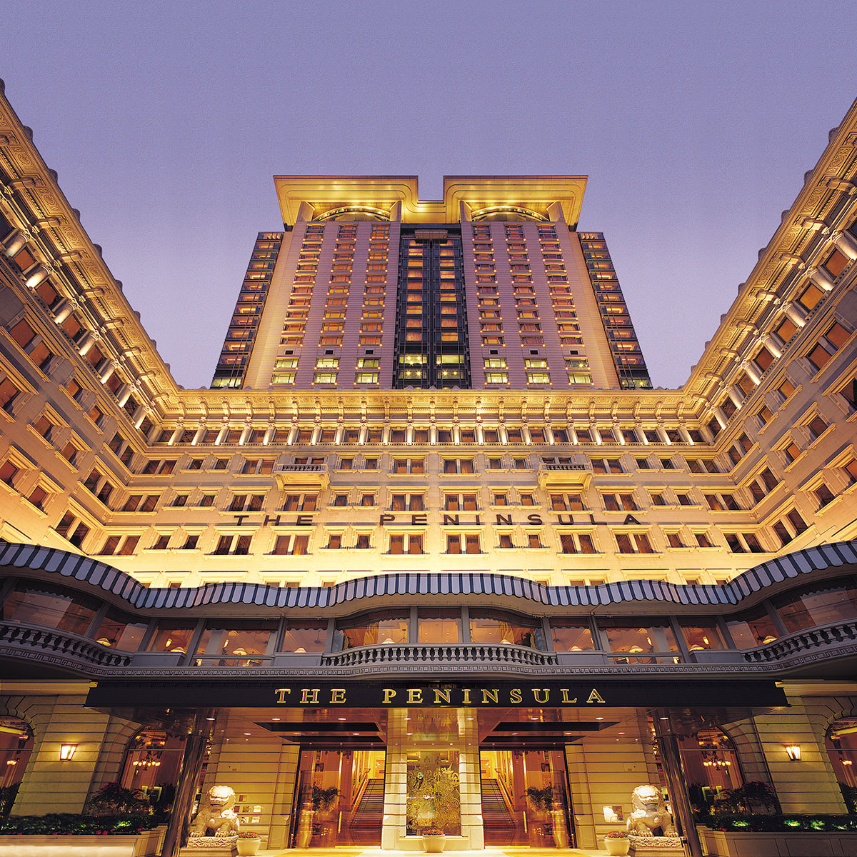 Peninsula är inte bara en av stans mest legendariska adresser utan ett av världens mest kända hotell.