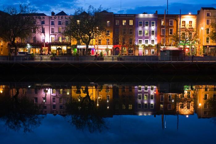 Redan vid skymning börjar Dublins världskända uteliv komma igång.