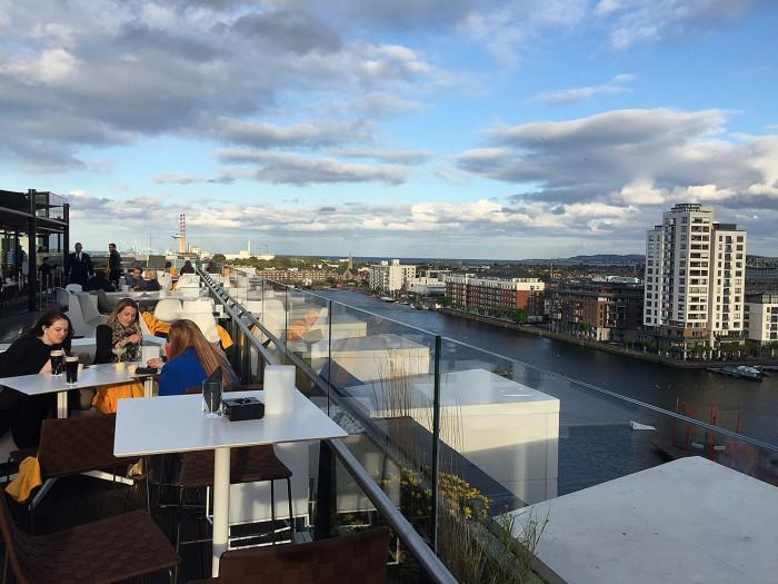 Utsikten från takterrassen på The Marker.